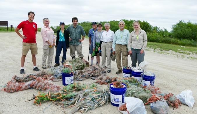 Shoreline cleanup-Lake Manitoba-MB-000-LARGE-CROP-SMALL-Lynnea A Parker-1110625